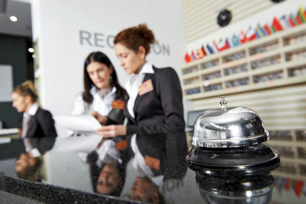 Гостиничный бизнес - пример деятельности сферы услуг, которая фактически не способна расширяться без автоматизации бизнеса